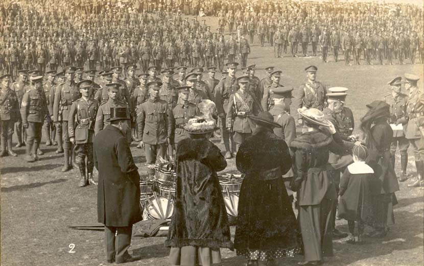 colours__drums_presentation_to_rgli_lancresse._3rd_may_1917.jpg