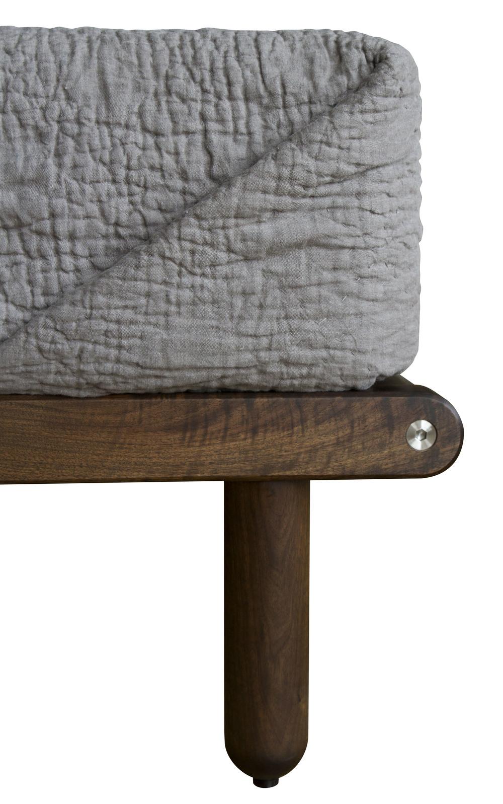 Isaksen Bed - Leg Detail