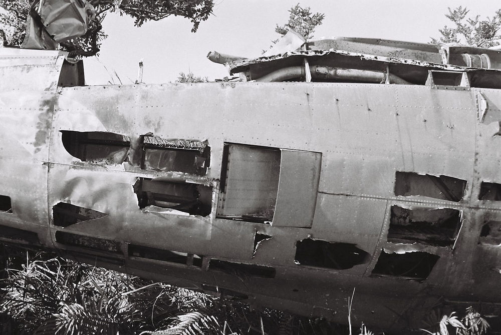 P-47D 42-27609 rear fus lt - b.jpg