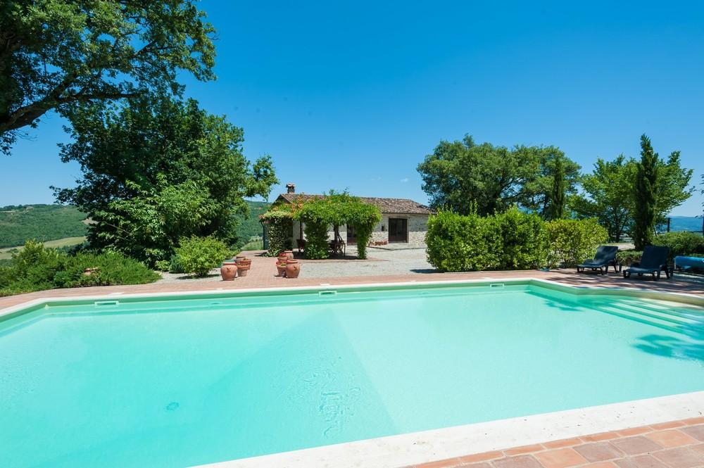 Villa pool (13).jpg