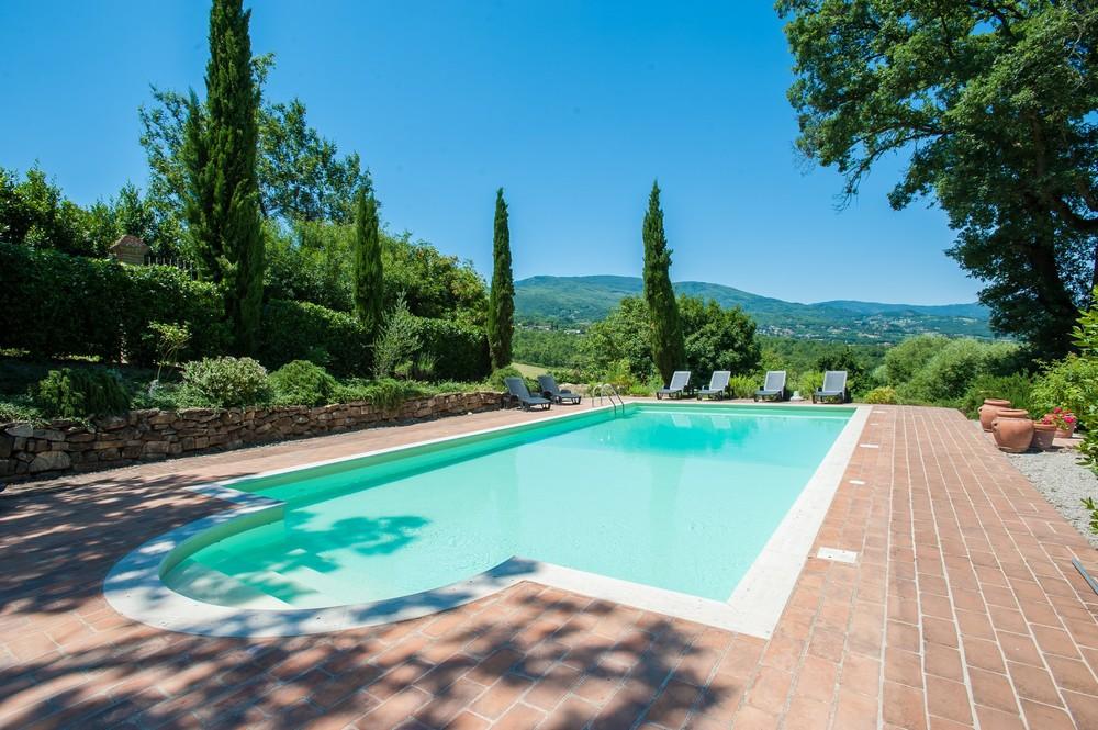 Villa pool (1).jpg