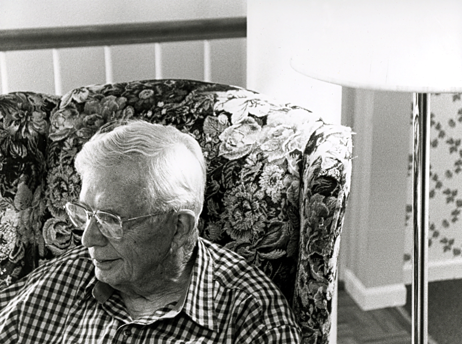 Grandpa-1924500725-O.jpg
