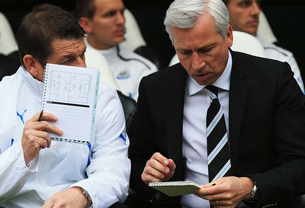 Alan-Pardew_Cardiff_Newcastle_United_NUFC_2014_600_05.jpg