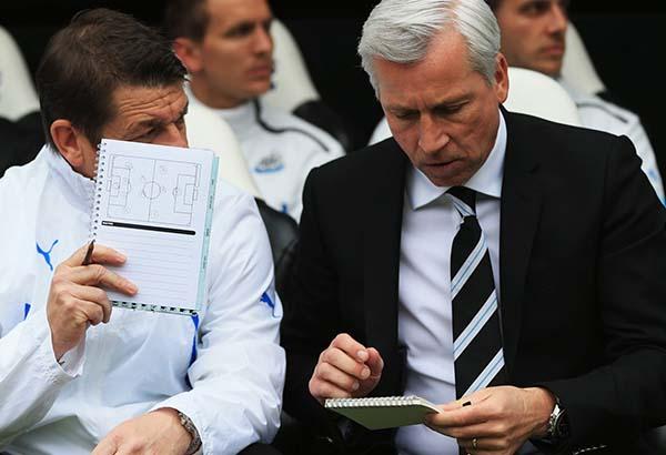 Alan-Pardew_Cardiff_Newcastle_United_NUFC_2014_600_05.jpg