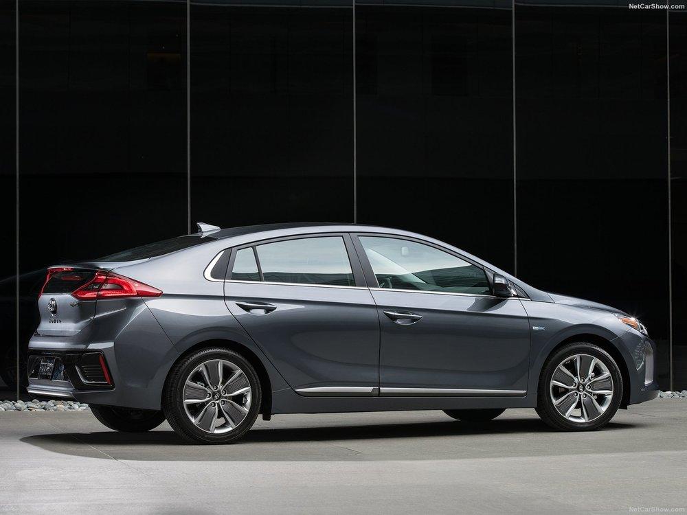Hyundai-Ioniq_US-Version-2017-1600-12.jpg