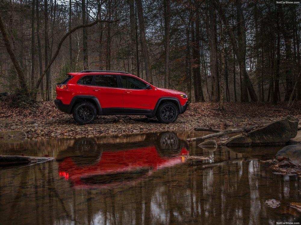 Jeep-Cherokee-2019-1600-26.jpg