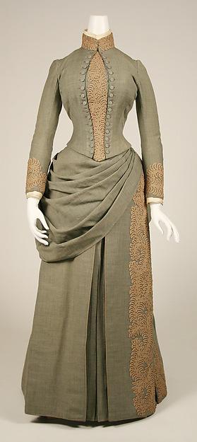 1897 年, Louise Whitfield (Mrs. Carnegie) 的旅行套裝兼婚紗