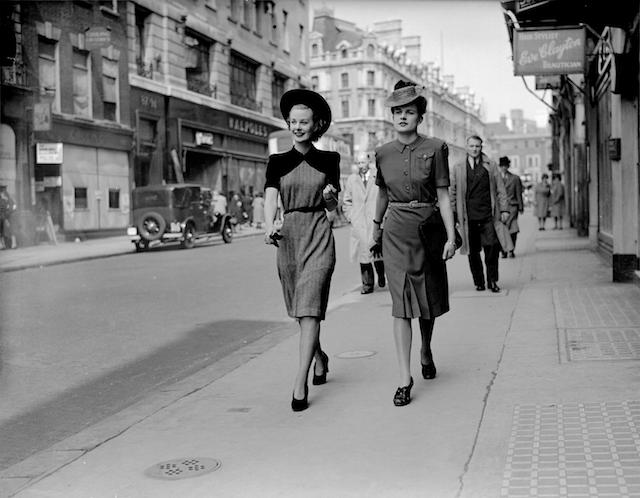 二次大戰時期洋裝(符合 CC41 節省布料的設計)