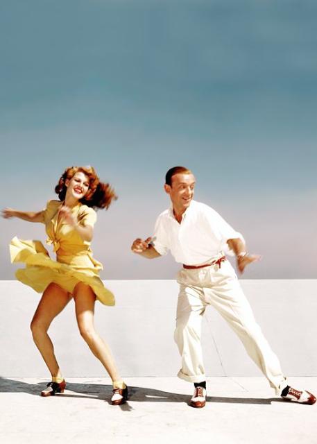 1942 年,踢踏舞影星 Fred Astaire 與 Rita Hayworth