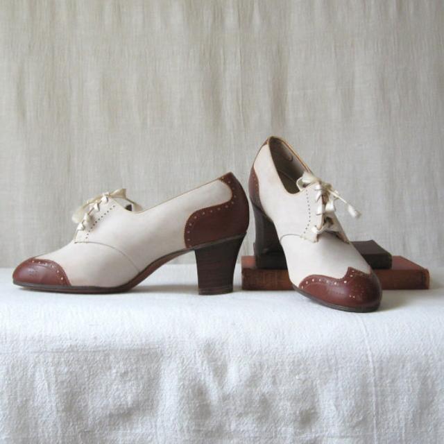 1940 年代 wing-tip 高跟鞋