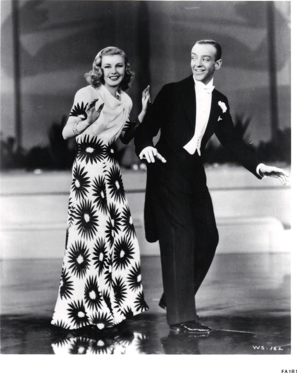 Fred Astaire & Ginger Rogers(佛雷與金姐),1937 ( via   Vivian Talks Ginger Rogers )