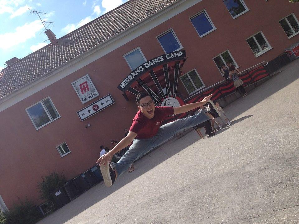 Awei (Naughty Swing)