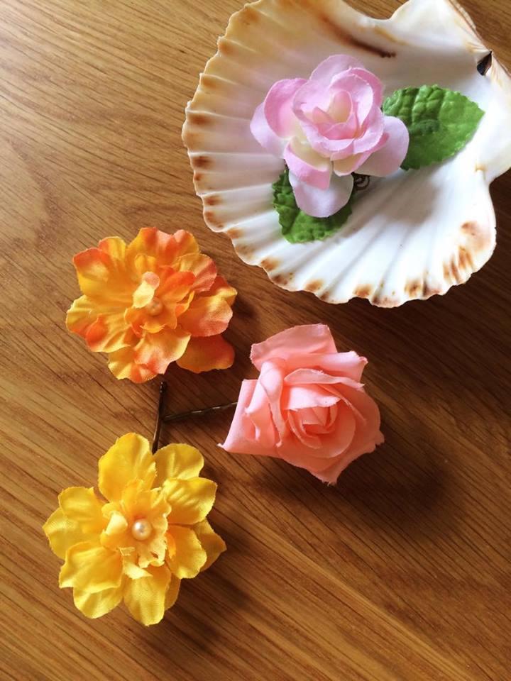 在 Saskia 的攤位小敗了一下美麗的花卉髮飾