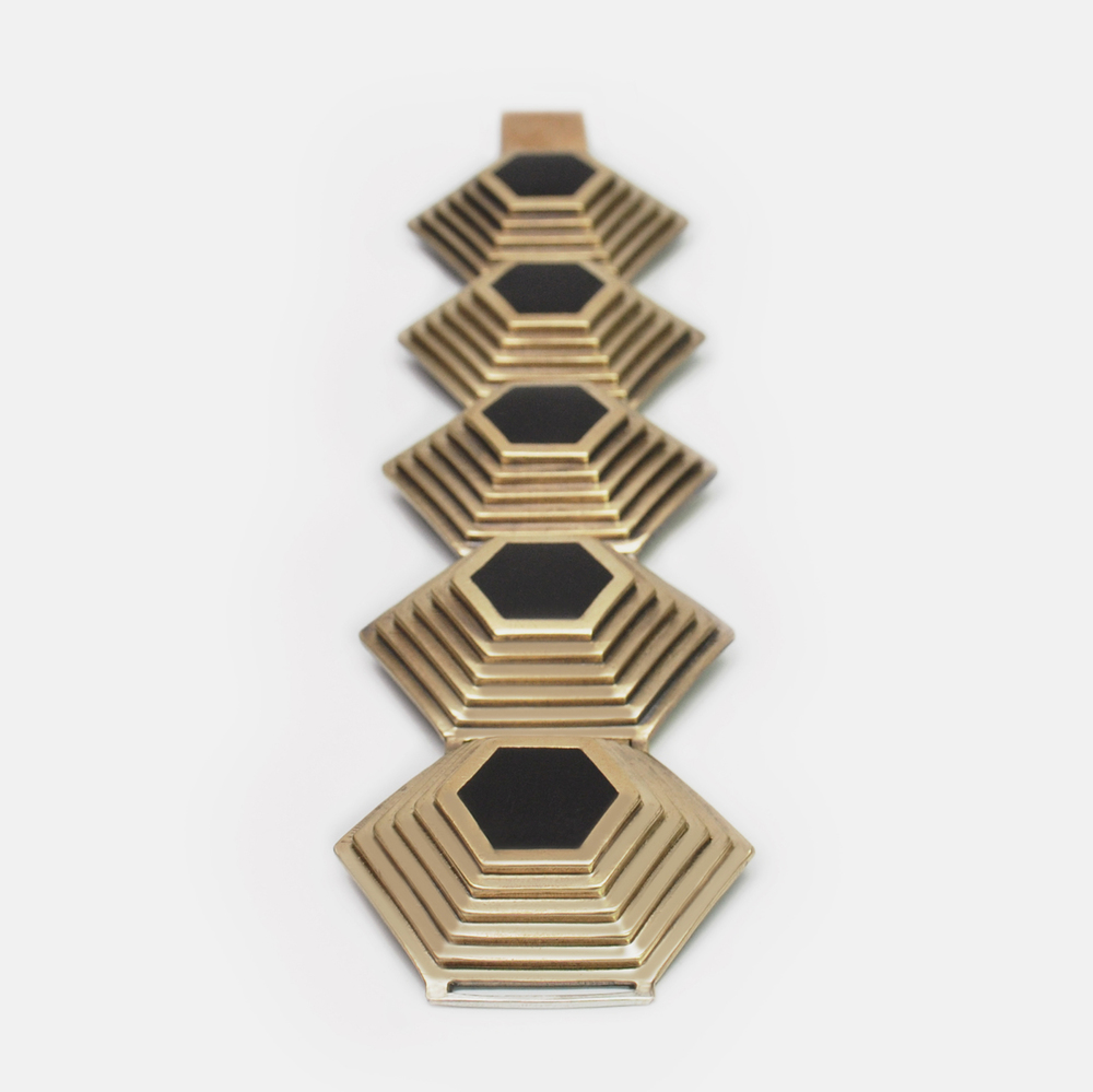 Off_White_Cropped_Marisa_Lomonaco_Axis_Link_Bracelet_0001_Bronze_Black.jpg