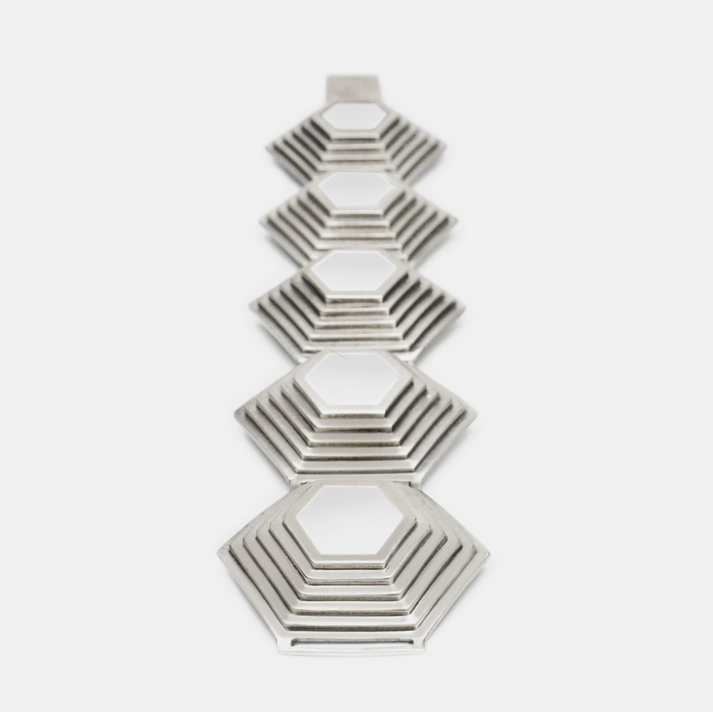 Off_White_Cropped_Marisa_Lomonaco_Axis_Link_Bracelet_0001_Silver_Salt White.jpg