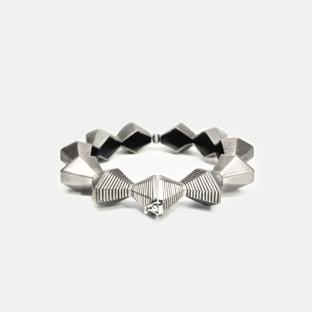 Off_White_Marisa_Lomonaco_Major_Sun_Bracelet_0001_Silver.jpg