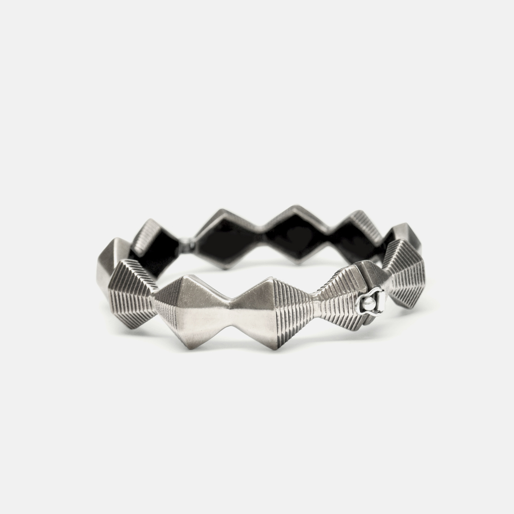 Off_White_Marisa_Lomonaco_Minor_Endless_Column_Bracelet_0001_Silver.jpg