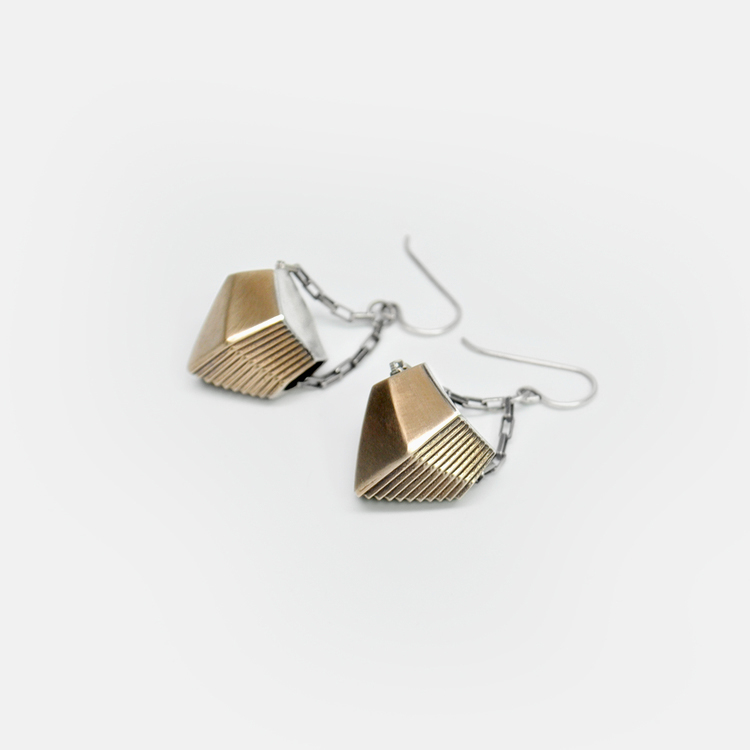 Off_White_Cropped_Marisa_Lomonaco_Endless_Column_Earrings_Bronze.jpg