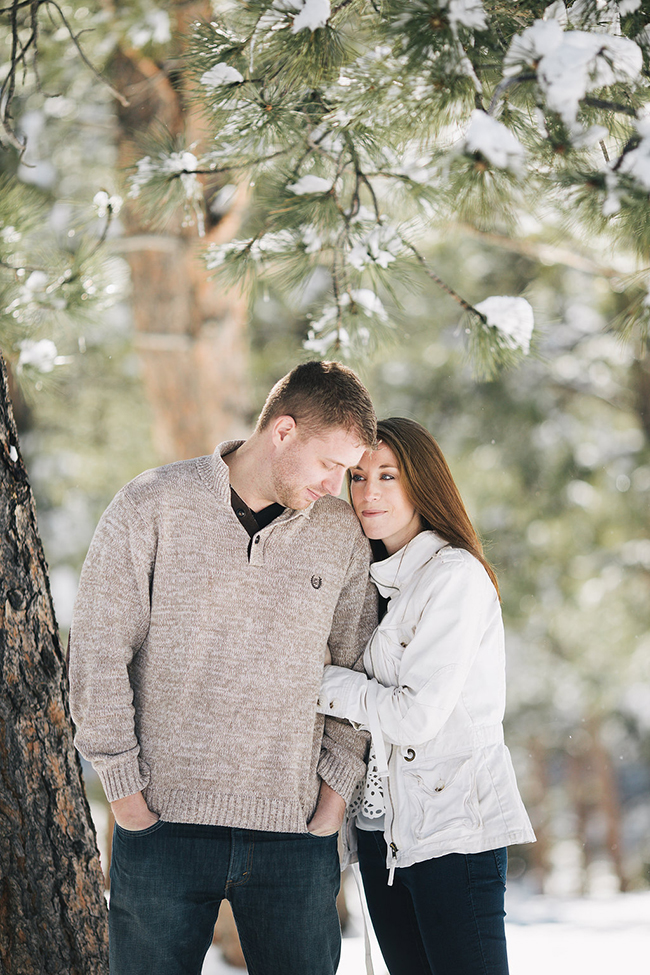 Engagement and Wedding Photographer Colorado Mountains_004.jpg