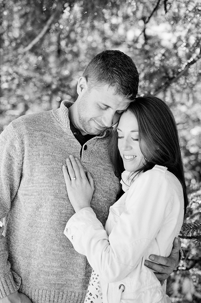 Engagement and Wedding Photographer Colorado Mountains_025.jpg