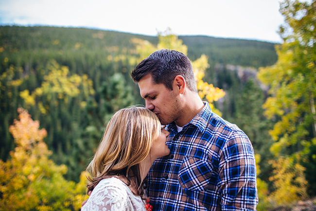 Engagement and Wedding Photographer Colorado Mountains_002.jpg