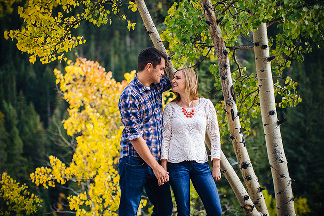 Engagement and Wedding Photographer Colorado Mountains_006.jpg