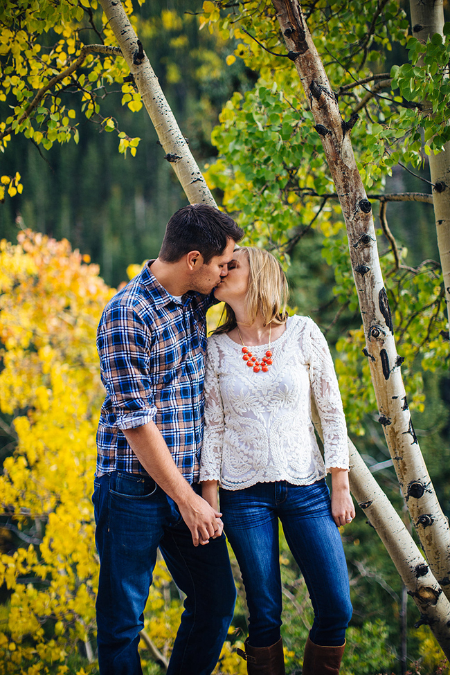 Engagement and Wedding Photographer Colorado Mountains_007.jpg