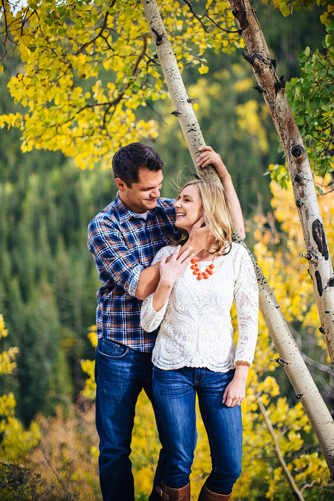 Engagement and Wedding Photographer Colorado Mountains_008.jpg