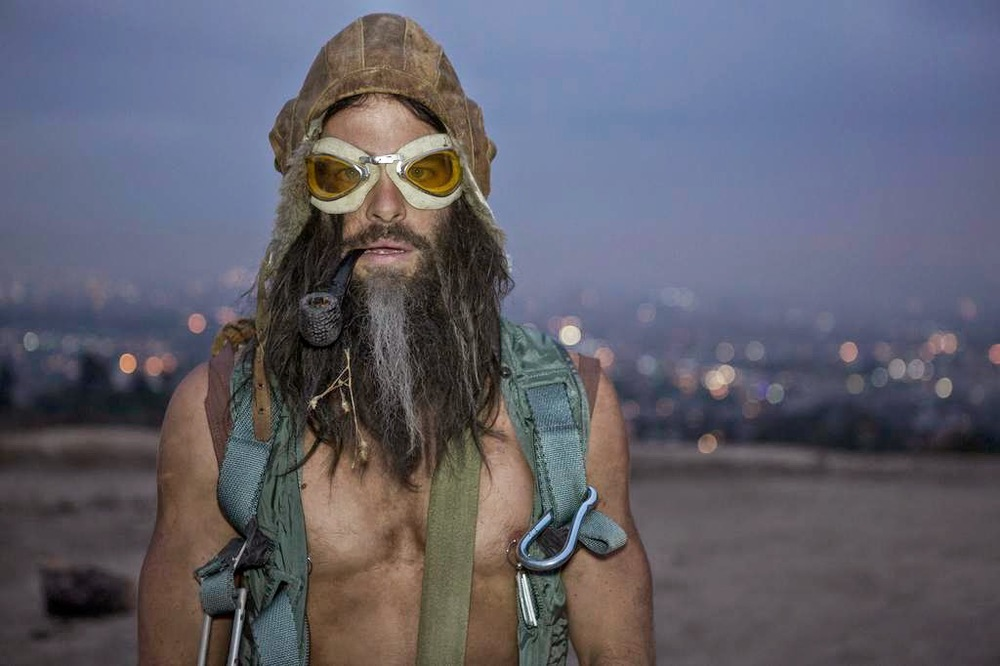 Chris Pine (seriously) in a standout performance as Roger Karos in Stretch. Image Source:  nowrunning.com