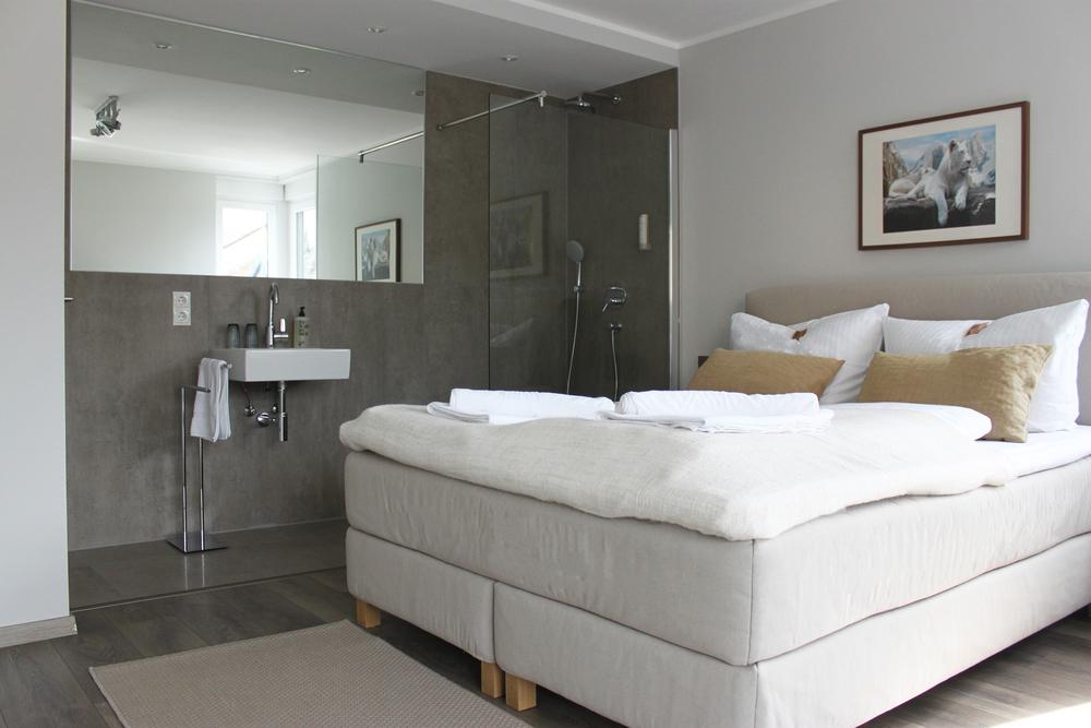 RR5 Premier Room