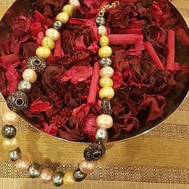 Need ideas of what to offer on Mother's Day this year? We suggest the Multicolored Pearl Neacklace with Antique Bead. Get it here: www.raginimittal.com #jewerly #jewellery #indianjewelry #indianjewellery #fashionjewelry #fashion #fashionaccessories #accessories #jewelrylover #jewelrylovers #designerjewelry #fashionblogger #jewelryblogger #indian #indianfashion #jewelrylove #jewelrylovers #buyjewelry #outfit #necklace #mothersday