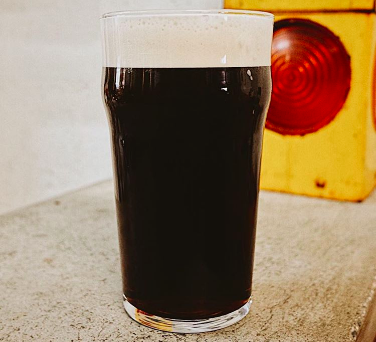 Cut and Dry NITRO - Dry Irish Stout 4.5%Coffee and dark chocolate on the nose is complimented with a creamy mouthfeel, and bitter dark roast coffee palate. The real perfect Irish Stout.