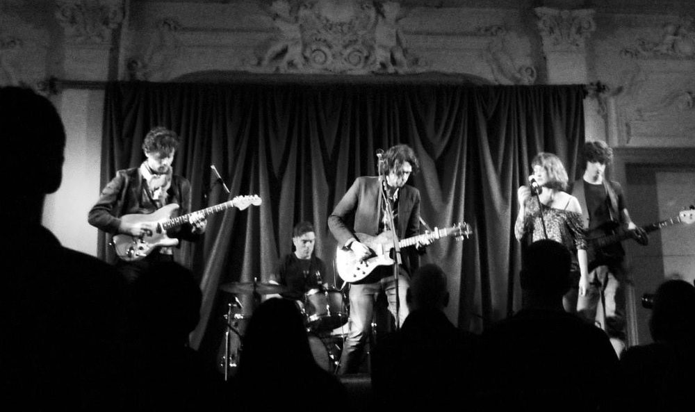 BUSH HALL, LONDON | SUPPORTING JOLIE HOLLAND | FEBRUARY 2015 | PHOTO BY DENIZ KAVALALI  Leander Lyons on guitar, Barny C Rockford on drums, Brooke Sharkey on backing vocals and Harry Deacon on bass.