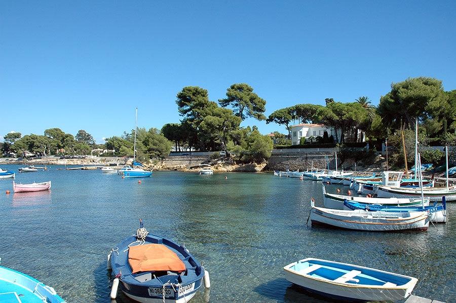 Le petit port de la Galice au Cap d'Antibes