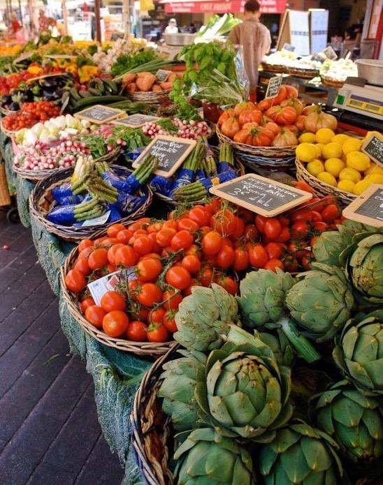 marché provençal d'Antibes