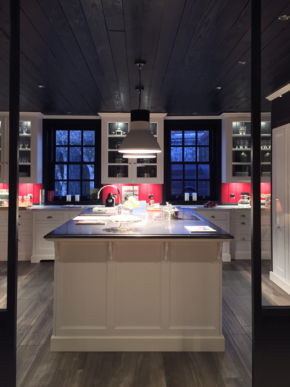 Perfect cuisine plus restreinte davantage compatible aux for Plan cuisine ouverte 5m2