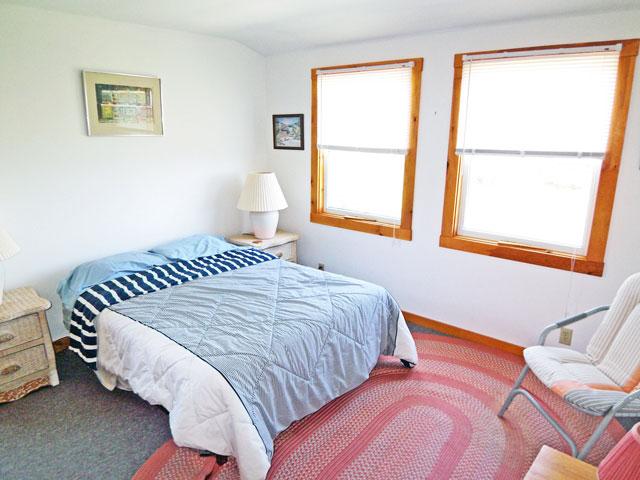 640-Bedroom 2.jpg