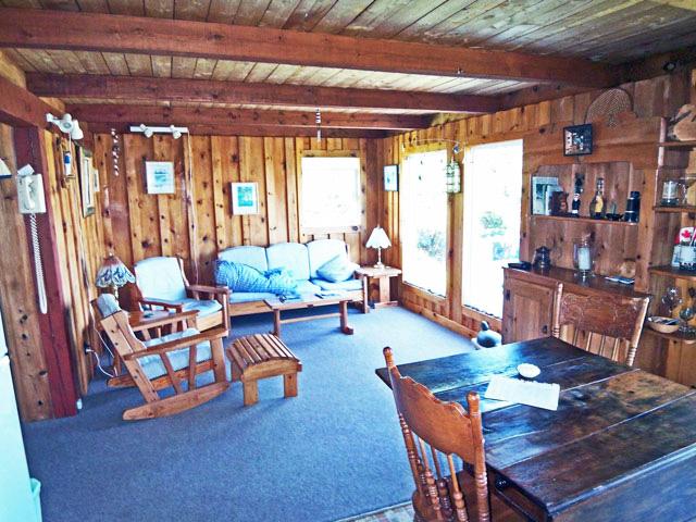 640---Living-Room.jpg