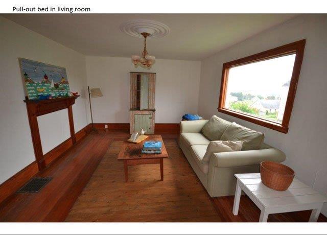 640-Living Room.jpg