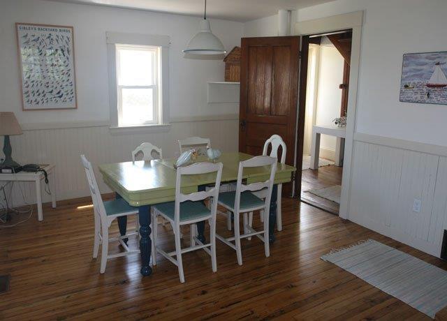 640-Dining Room.jpg