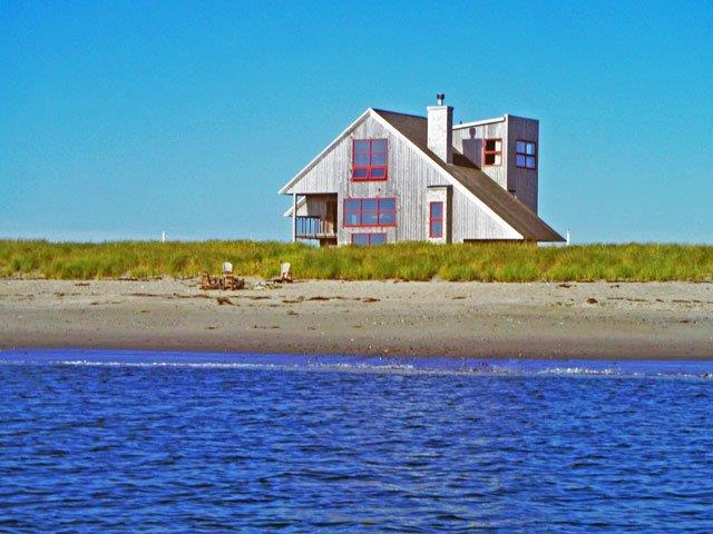 640--house-from-water.jpg