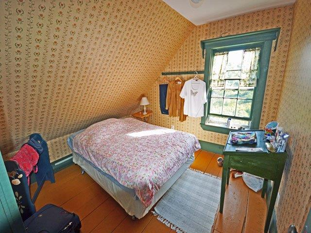 640 bedroom 2.jpg