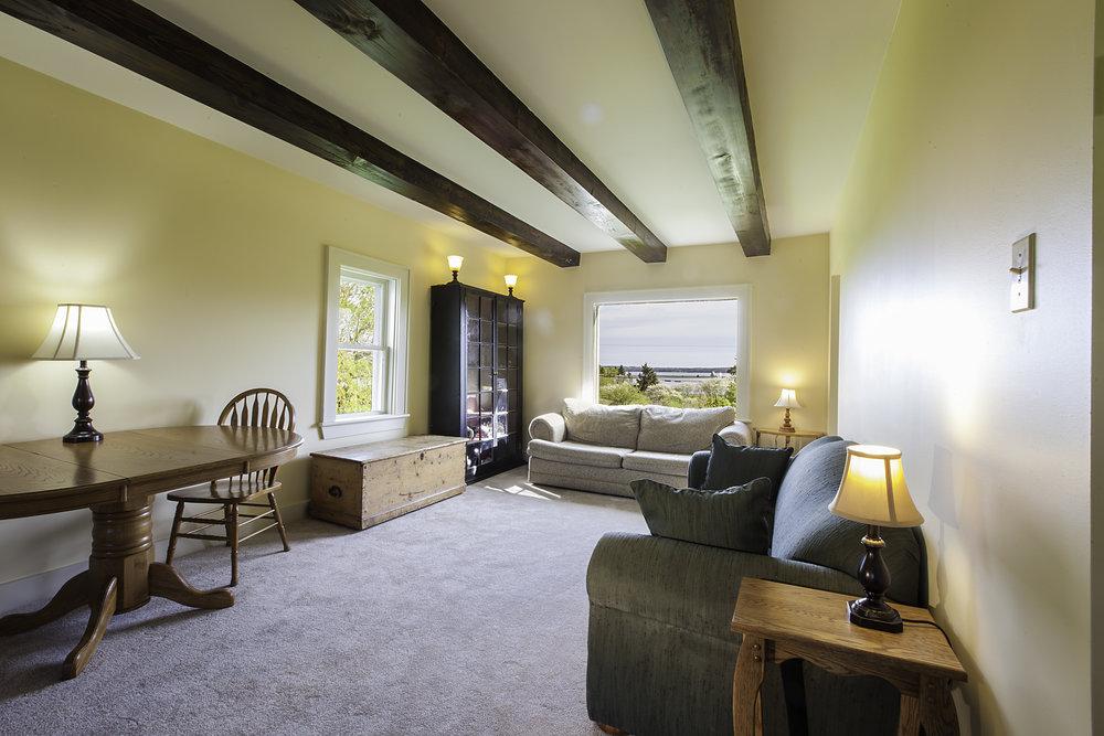 IMG_5233-Living_Room-1.jpg
