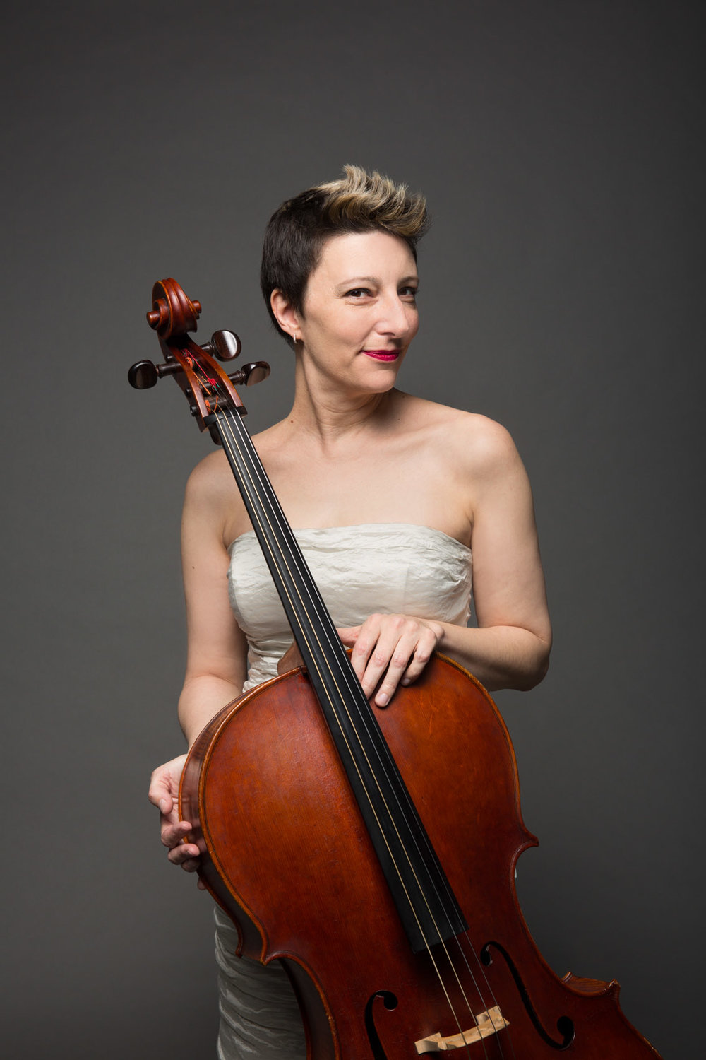 Sarah Kapps, cello