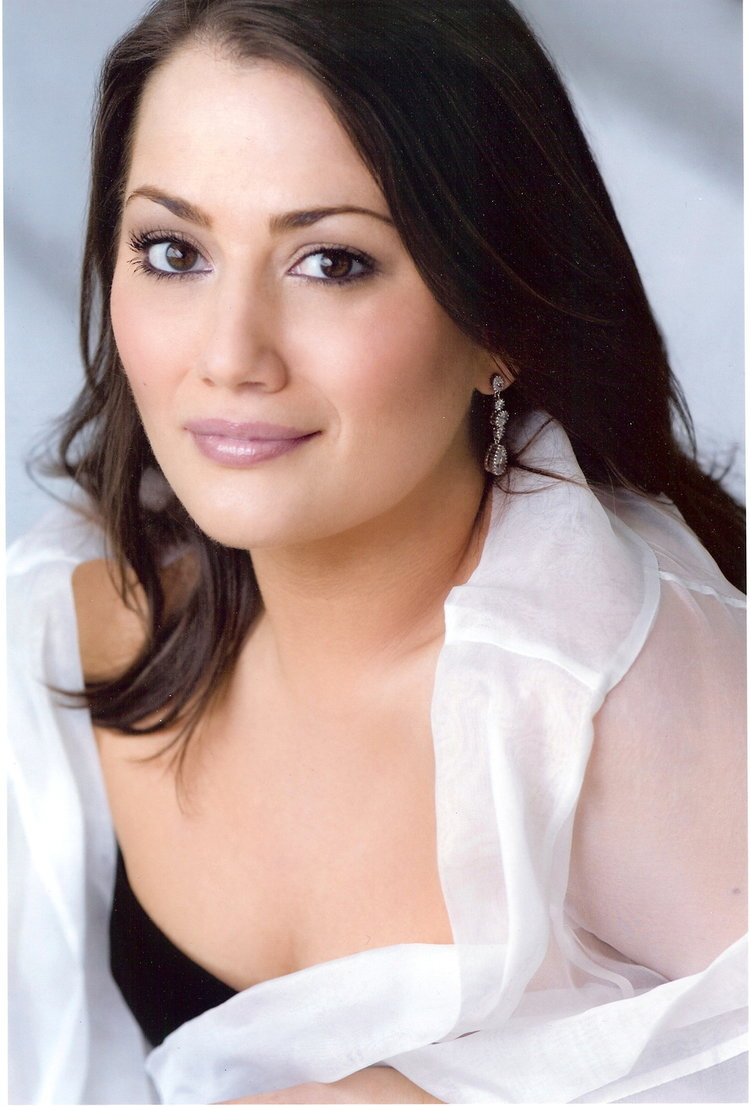 Heather Johnson, mezzo-soprano