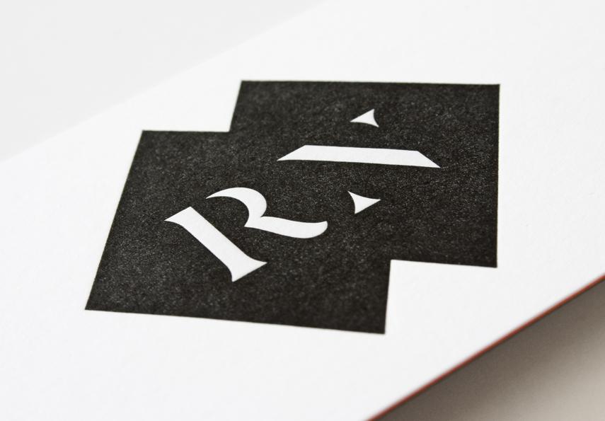 Roc Noir monogram