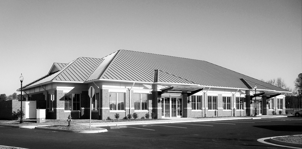 Petersburg Medical Bldg_01bw.jpg