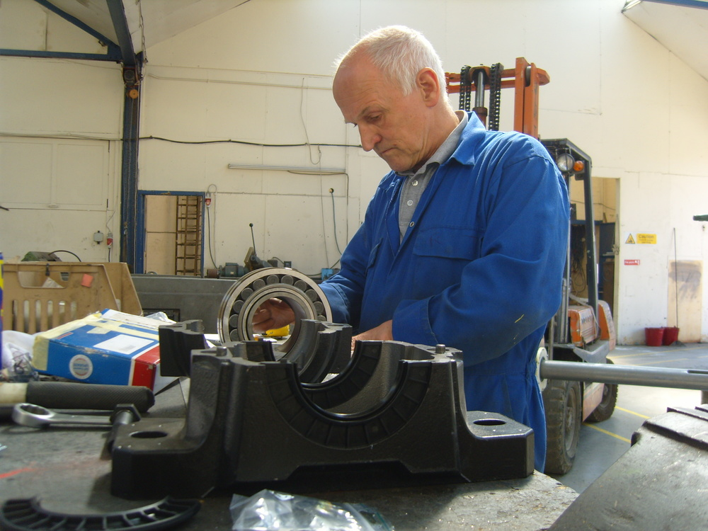 Reg Tiffin assembling one of the bearings