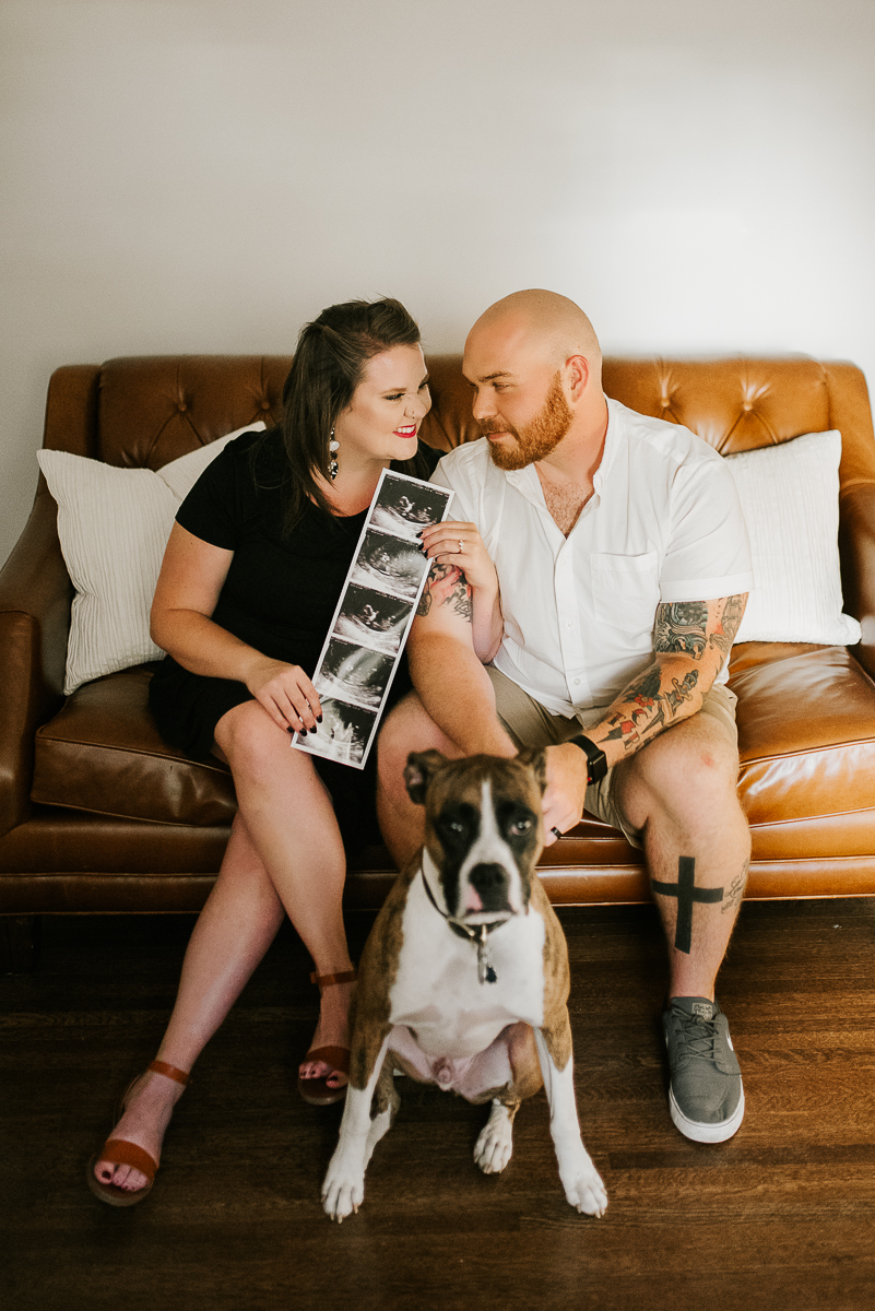 Lifestyle Baby Announcement, In-home pregnancy photos
