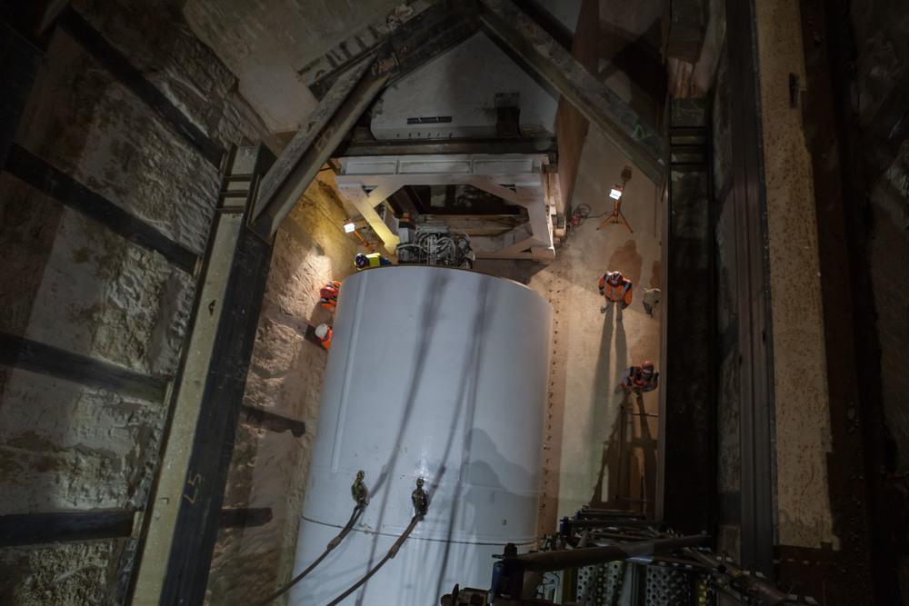 Dimensions tunnelier : 8.1m de long, 3.65m de diamètre et 76 T(cliquez pour agrandir l'image)